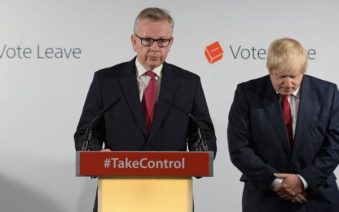 Michael Gove (vasakul) ja Boris Johnson Brexiti-otsuse järgsel pressikonverentsil Londonis.