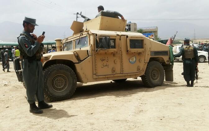 Afganistani korrakaitsjad sündmuskoha juures.