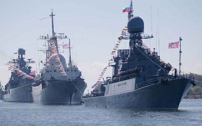 Venemaa Läänemere laevastiku alused võtavad osa võidupüha tähistamise peaproovist 7. mail 2015 Kaliningradi oblastis.
