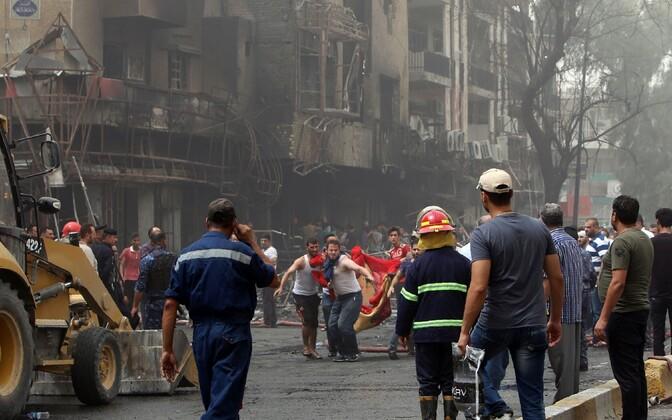 Terrorirünnaku tagajärjed Bagdadis 3. juulil.