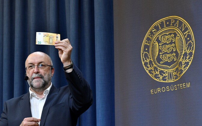 Rait Roosve, head of the Cash and Infrastructure Department, introducing the new 50-euro note at the Bank of Estonia. Photo is illustrative.