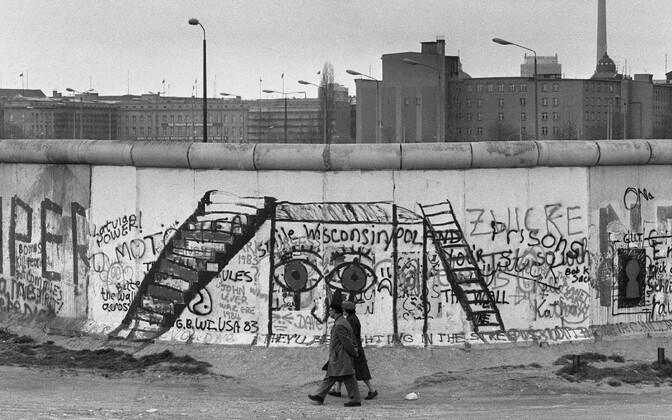 Vaade Berliini müürile Lääne-Berliinist 1984. aastal.