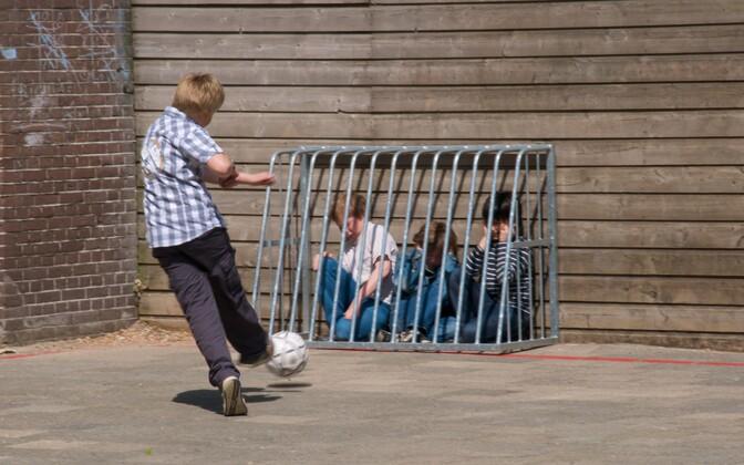 Eakaaslaste mittesoosival suhtumisel on mõju lapse akadeemilisele edasijõudmisele.