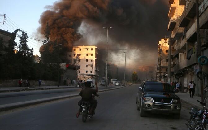 Suitsusammas Aleppo põhjaosas, mässuliste kontrolli all olevas Salihini piirkonnas.