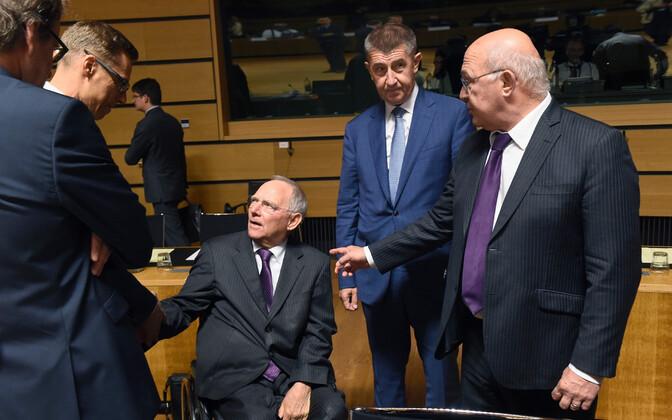 Euroopa rahandusministrite kohtumine, keskel Saksa rahandusminister Wolfgang Schäuble.