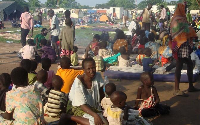 Ümberasunud inimesed Jubas Tompingis ÜRO kompleksis.