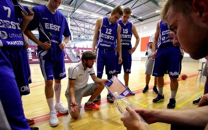Indrek Visnapuu ja Eesti U-20 korvpallikoondis