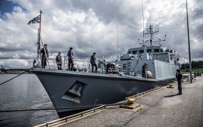 A cache of smuggled liquor and tobacco was discovered aboard the Estonian minesweeper Sakala.