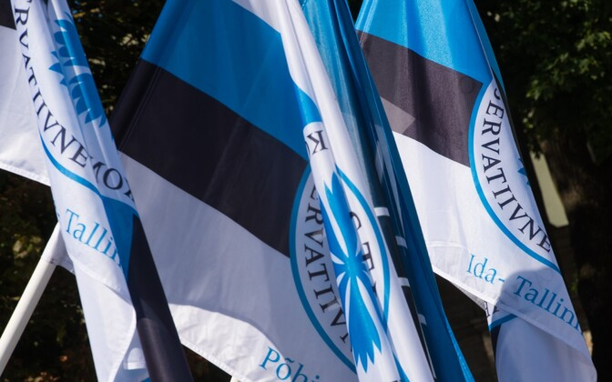 Flags of the Conservative People's People's Party of Estonia (EKRE).
