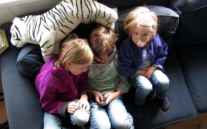 Laste nutiseadme kasutamine sõltub suurel määral lapsevanema eeskujust.