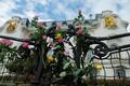 Lilled Viinis Prantsuse saatkonna ees.