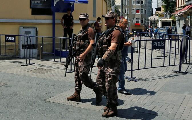 Türgi politsei eriüksuslased Istanbulis.