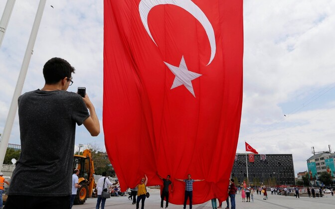 Erdogani toetajad Istanbuli Taksimi väljakul.