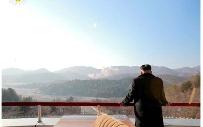 Põhja-Korea juht Kim Jong-un 2016. aasta veebruaris raketikatsetust vaatamas.