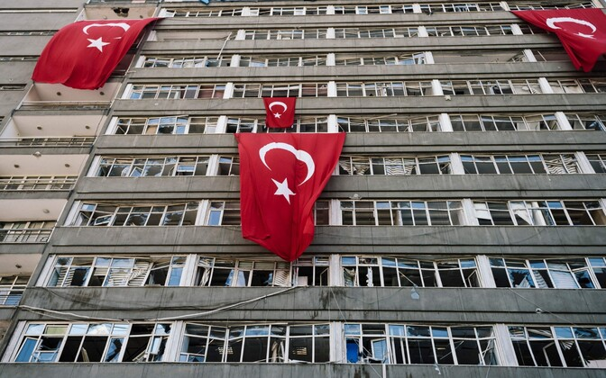 Ankara politsei peahoone pärast riigipöördekatset.