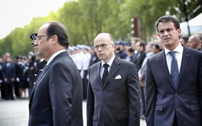Vasakult: Hollande, Cazeneuve ja Valls.