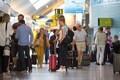 Reisijad Tallinna lennujaamas. Illustreeriv foto.