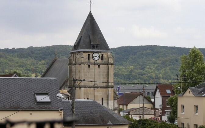 Сент-Этьен-дю-Рувре после теракта