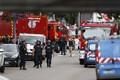 Politseinikud sündmuskohal Saint-Étienne-du-Rouvray's.