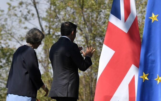 Theresa May ja Matteo Renzi.
