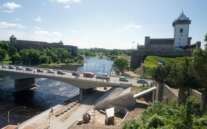 The border checkpoint in Narva.