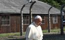 Paavst koonduslaagris.