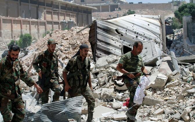 Süüria presidendile Bashar al-Assadile lojaalsete vägede sõdurid.