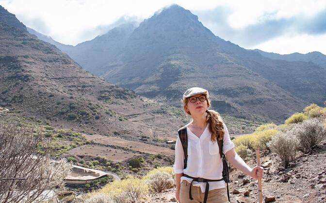 Madli Jõks ookeanilise saare Gran Canaria looduses.
