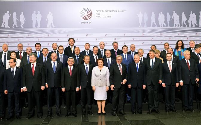 Idapartnerluse tippkohtumise ühispilt Riiast 2015. aastal.