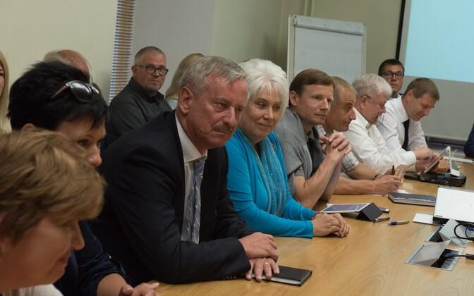 Kallas ja Kaljurand Reformierakonna juhatuse koosolekul 3. augustil.