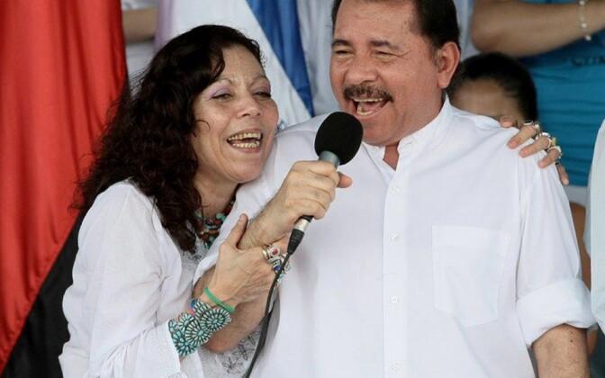 Rosario Murilllo ja Daniel Ortega.