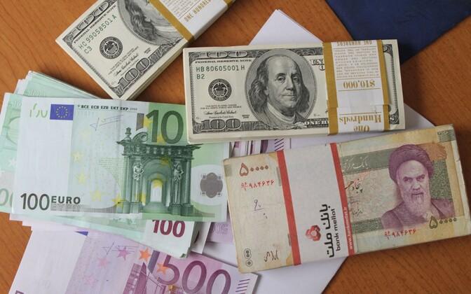 USA dollarid, eurod ja Iraani riaalid.