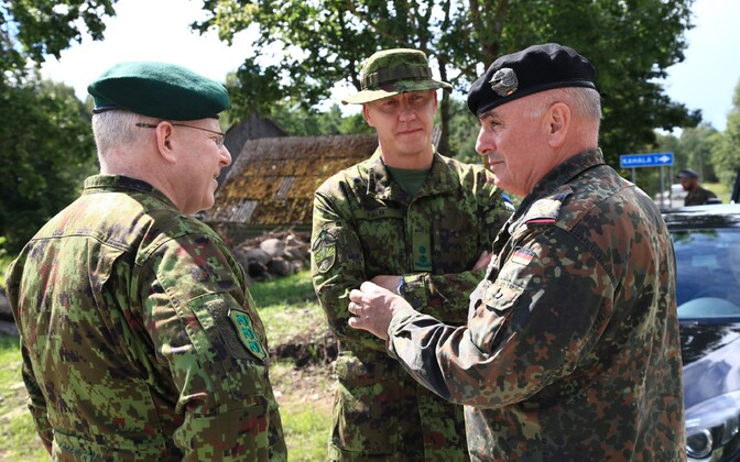 Deputy Commander of the German Army Lt. Gen. Carsten Jacobson met with Estonian military leaders and visited German troops currently stationed at Tapa Army Base on Wednesday. August 3, 2016.