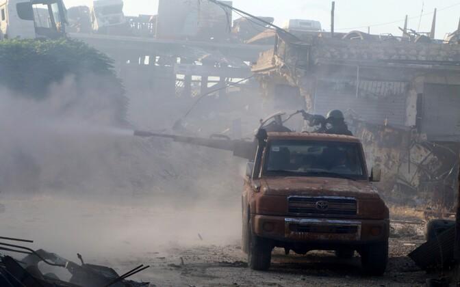 Süüria Vabastusarmee võitlejad 2. augustil Aleppo lähistel.