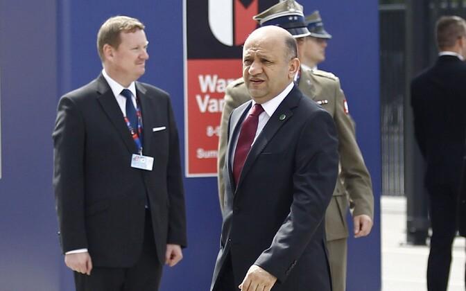 Türgi kaitseminister Fikri Isik Varssavi tippkohtumisel.