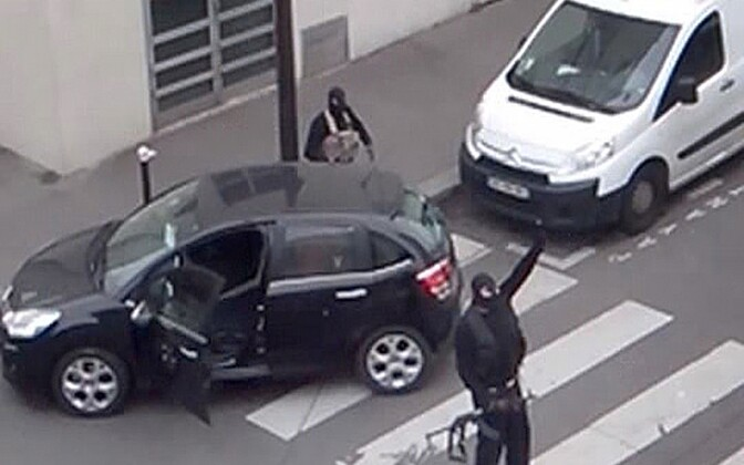Amatöörfoto Chérif ja Said Kouachist pärast Charlie Hebdo toimetuse ründamist, 2015. aasta 7. jaanuar.