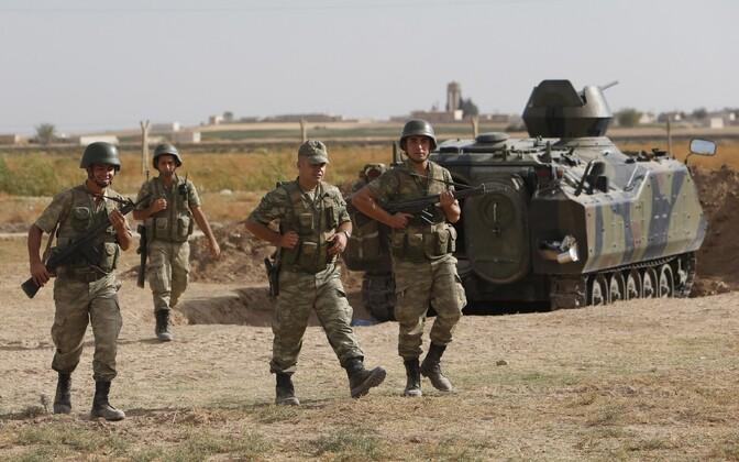 Türgi sõdurid Süüria piiri ääres.