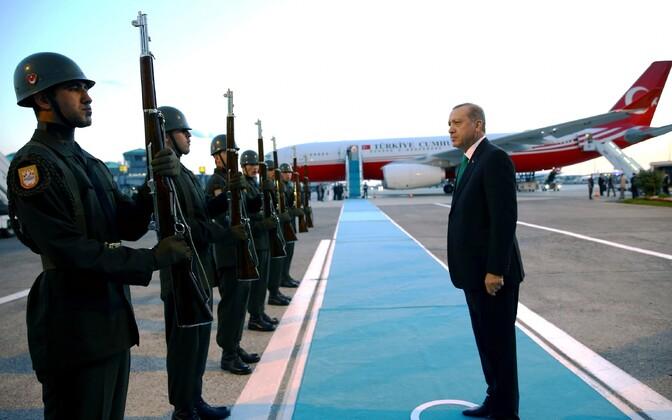 Türgi president Recep Tayyip Erdogan ja auvahtkonna sõdurid, arhiivifoto.
