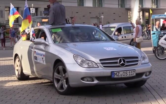 Aktivistid Berliinist teele asumas.
