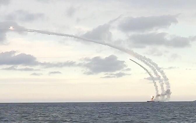 Venemaa tiibrakettide teeleläkitamine Kaspia merelt eelmise aasta novembris.