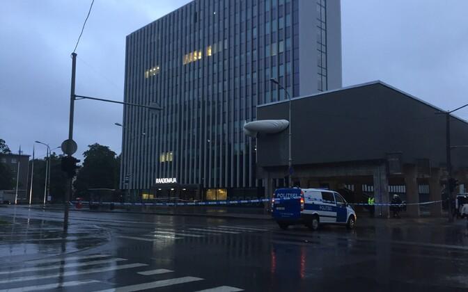Politsei kontrollib uue raadiomaja juures pommiähvardust