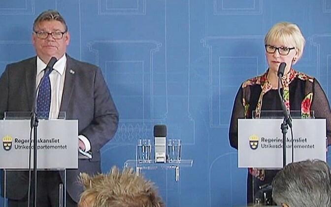 Timo Soini ja Margot Wallström 17. augustil Stockholmis.