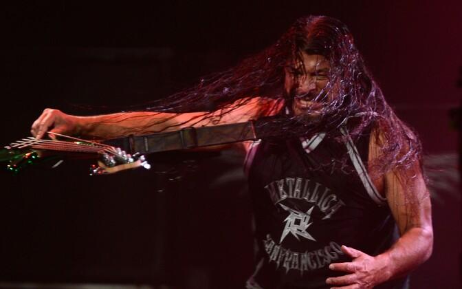 Robert Trujillo kandmas Metallica särki