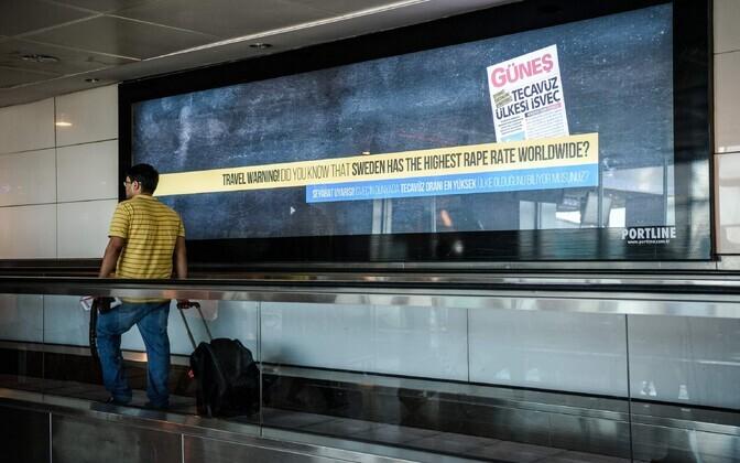 Rootsi-kriitiline reklaam Istanbuli Atatürgi lennujaamas.