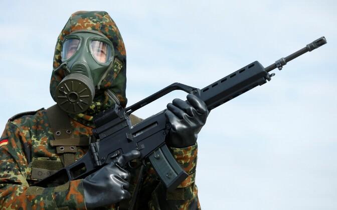 Saksa sõdur õppusel.