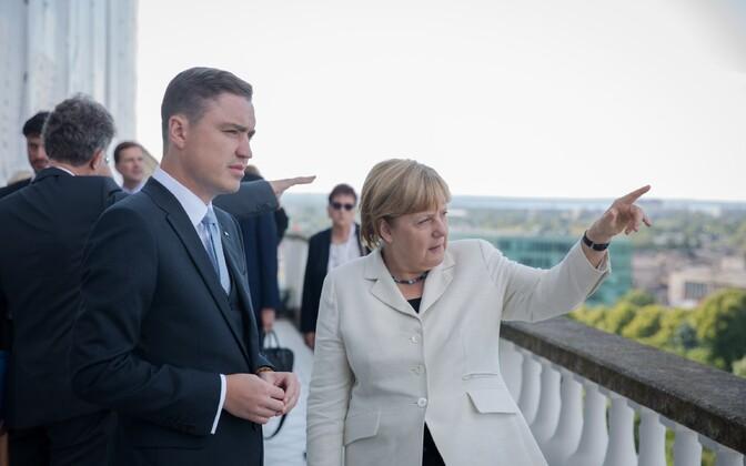 Liidukantsler Angela Merkel peaminister Taavi Rõivase juures.