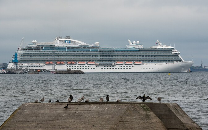 Ristluslaev Regal Princess Tallinnas.