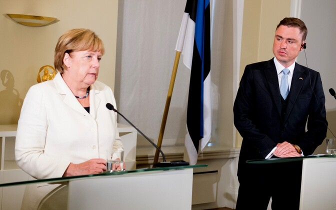 Chancellor Angela Merkel with Prime Minister Taavi Rõivas in Tallinn. Aug. 24, 2016.