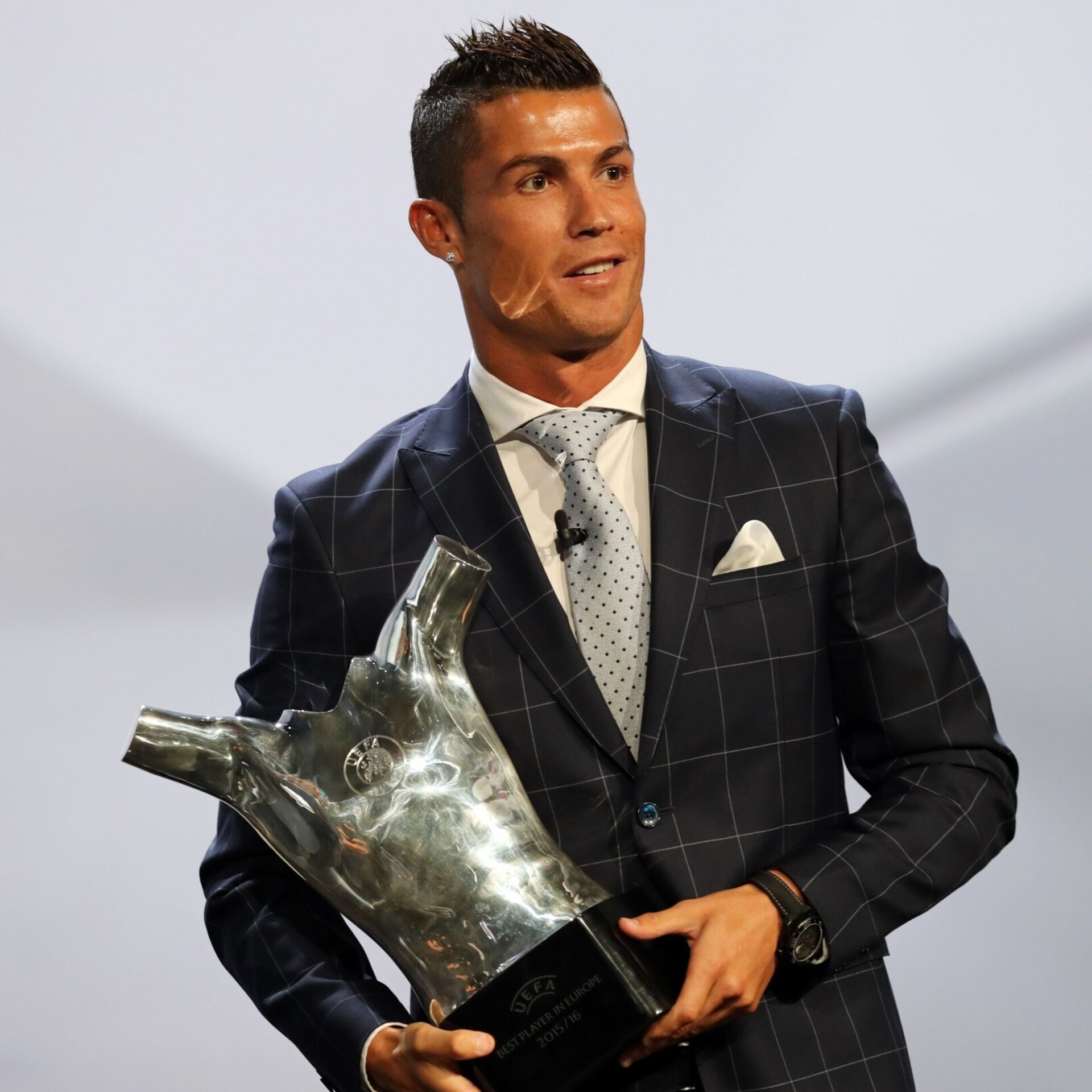 e4dc7a77200 FIFA avaldas 23 maailma parima jalgpalluri nimed | Jalgpall | ERR