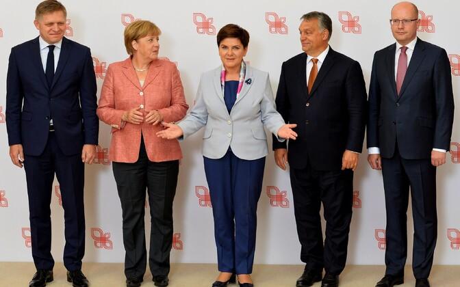 Angela Merkel ja Visegradi neliku juhid 26. augustil Varssavis.